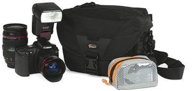 Lowepro Stealth Reporter D100 AW (Black) LP34948