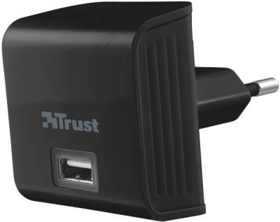 Trust Wall charger with USB port - 12W 19159